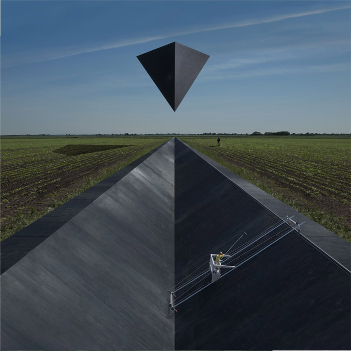 Storm Thorgerson Goose Synrise